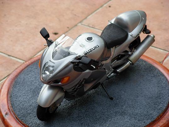 maquette moto 1/12 (hudson59640) DSCN0160