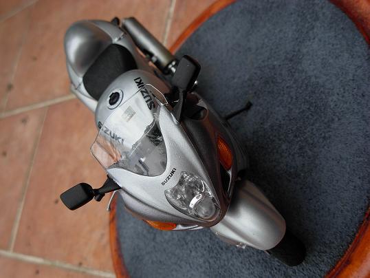 maquette moto 1/12 (hudson59640) DSCN0199