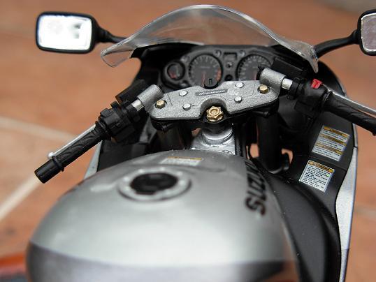 maquette moto 1/12 (hudson59640) DSCN0203