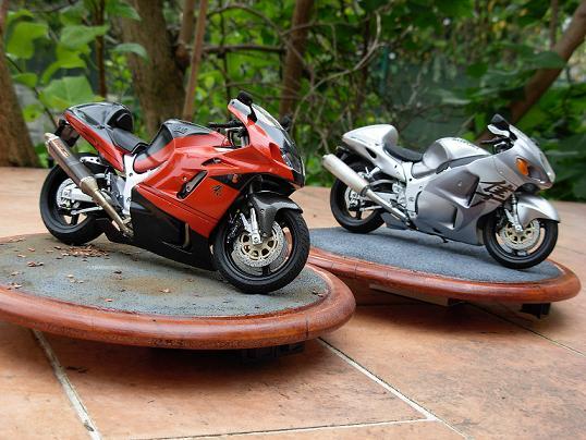 maquette moto 1/12 (hudson59640) DSCN0205