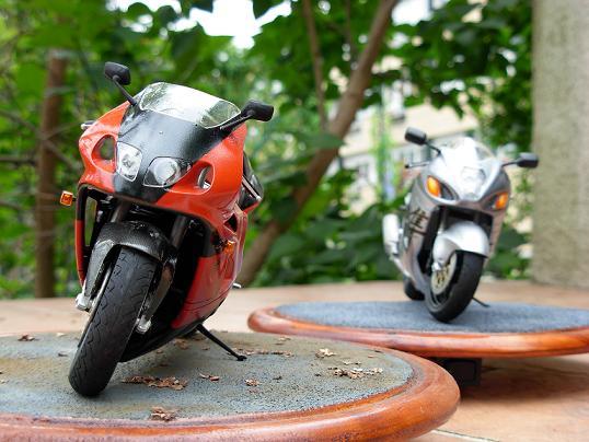 maquette moto 1/12 (hudson59640) DSCN0207