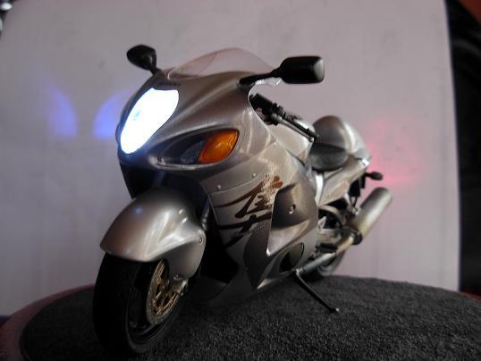 maquette moto 1/12 (hudson59640) DSCN0208