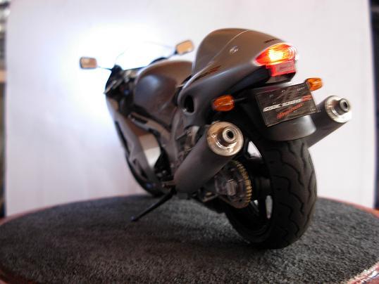 maquette moto 1/12 (hudson59640) DSCN0210