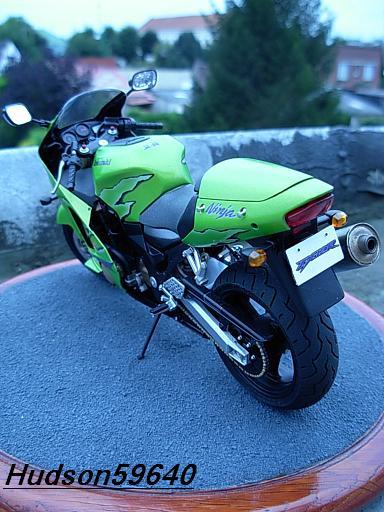 maquette moto 1/12 (hudson59640) DSCN1094