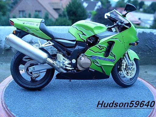 maquette moto 1/12 (hudson59640) DSCN1096