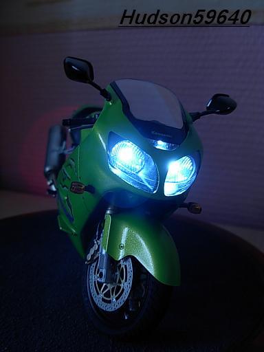 maquette moto 1/12 (hudson59640) DSCN1105