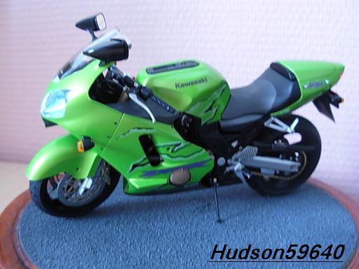 maquette moto 1/12 (hudson59640) DSCN1113
