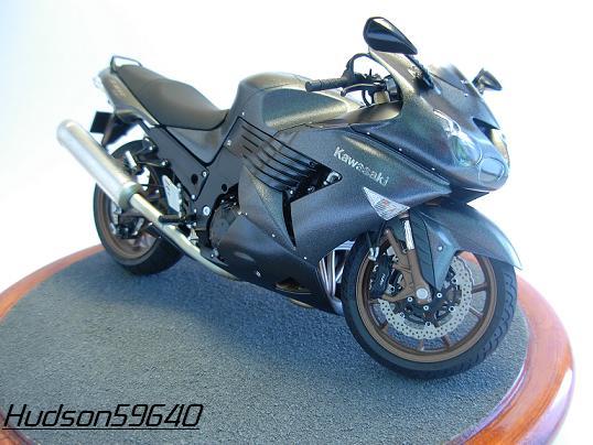 maquette moto 1/12 (hudson59640) DSCN0646