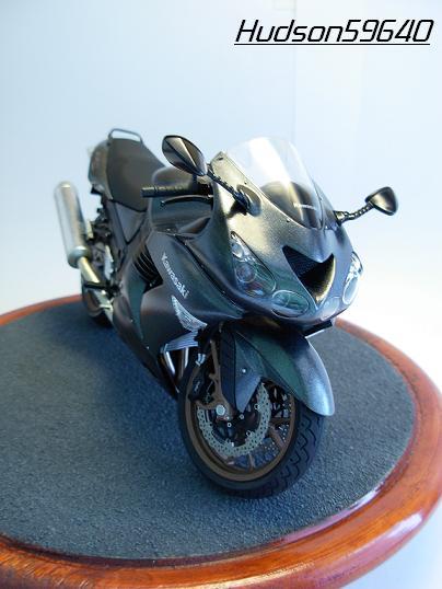 maquette moto 1/12 (hudson59640) DSCN0647