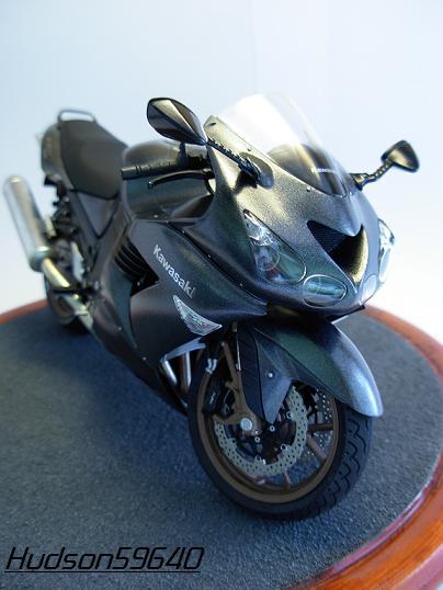 maquette moto 1/12 (hudson59640) DSCN0649