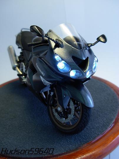 maquette moto 1/12 (hudson59640) DSCN0650