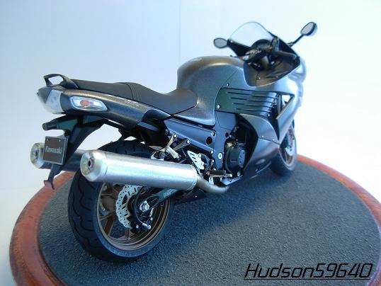 maquette moto 1/12 (hudson59640) DSCN0651