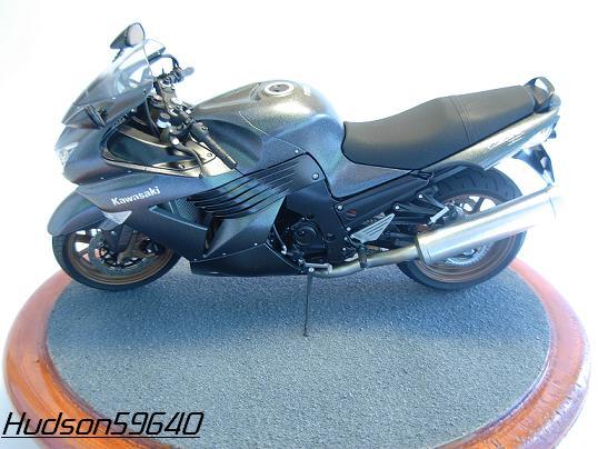 maquette moto 1/12 (hudson59640) DSCN0653
