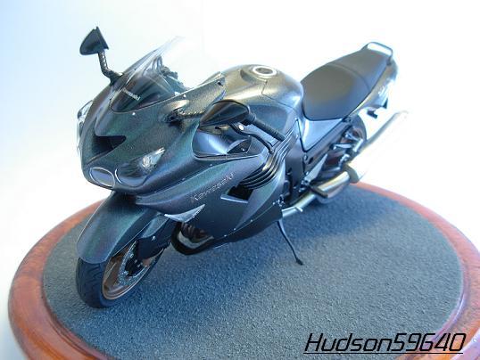 maquette moto 1/12 (hudson59640) DSCN0654