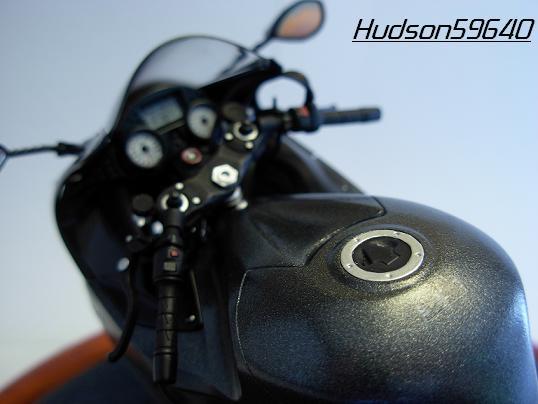 maquette moto 1/12 (hudson59640) DSCN0656