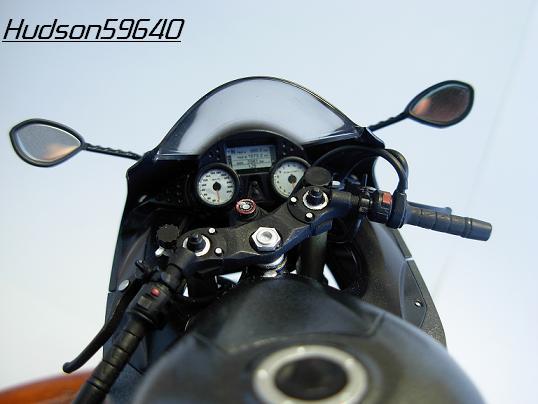 maquette moto 1/12 (hudson59640) DSCN0657