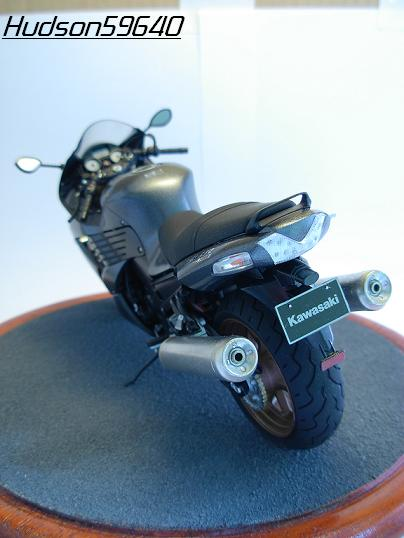maquette moto 1/12 (hudson59640) DSCN0658