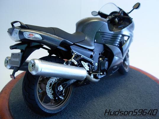 maquette moto 1/12 (hudson59640) DSCN0659
