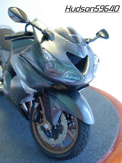 maquette moto 1/12 (hudson59640) DSCN0661