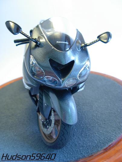 maquette moto 1/12 (hudson59640) DSCN0662