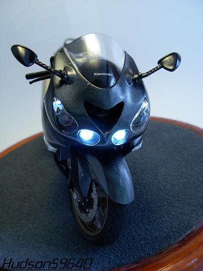 maquette moto 1/12 (hudson59640) DSCN0663