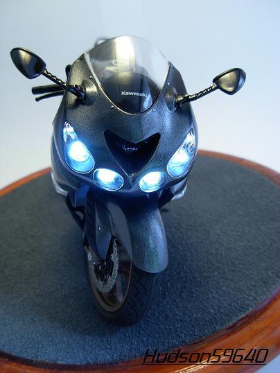 maquette moto 1/12 (hudson59640) DSCN0664