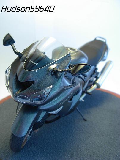 maquette moto 1/12 (hudson59640) DSCN0666