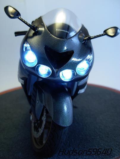 maquette moto 1/12 (hudson59640) DSCN0671