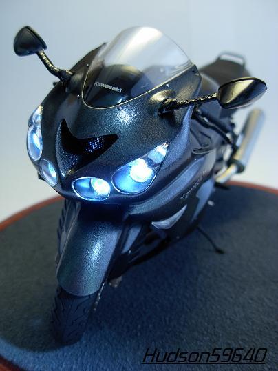maquette moto 1/12 (hudson59640) DSCN0672
