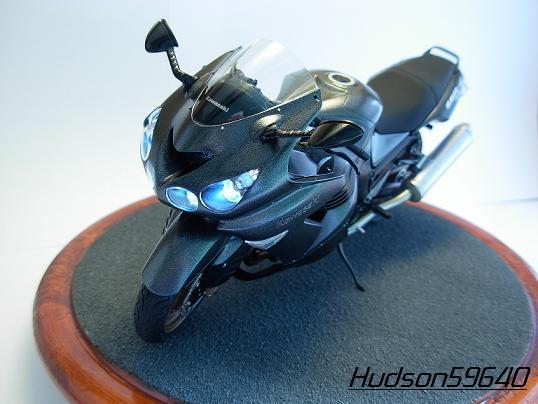 maquette moto 1/12 (hudson59640) DSCN0673