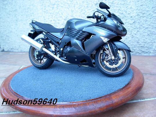 maquette moto 1/12 (hudson59640) DSCN0684
