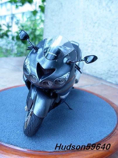 maquette moto 1/12 (hudson59640) DSCN0685