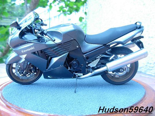maquette moto 1/12 (hudson59640) DSCN0688