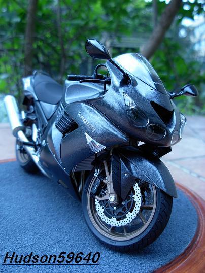 maquette moto 1/12 (hudson59640) DSCN0692