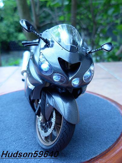 maquette moto 1/12 (hudson59640) DSCN0693