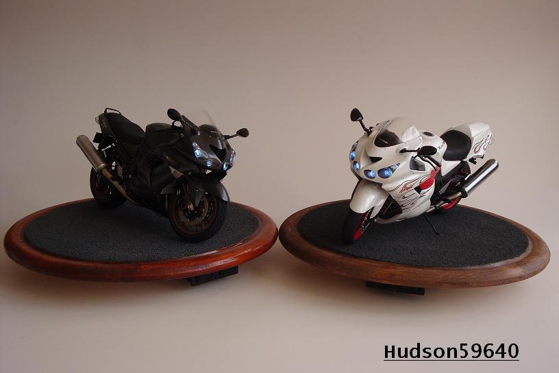 maquette moto 1/12 (hudson59640) DSC01483