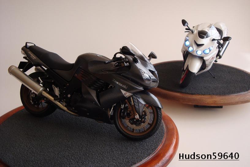 maquette moto 1/12 (hudson59640) DSC01485
