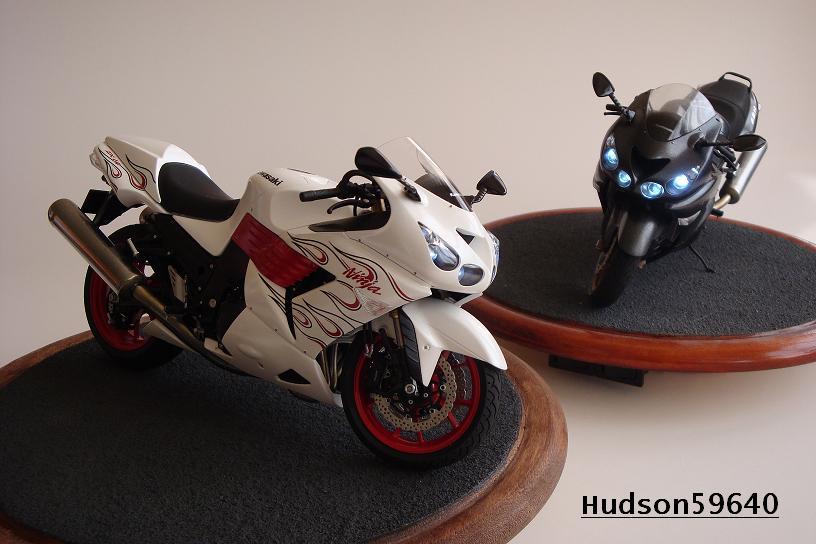 maquette moto 1/12 (hudson59640) DSC01486